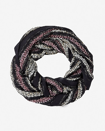 black popcorn loop scarf