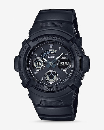 g-shock black out detail round watch