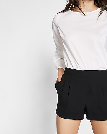 mid rise soft pleated shorts