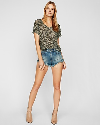 Express Womens Express One Eleven Leopard Soft Knit London Tee