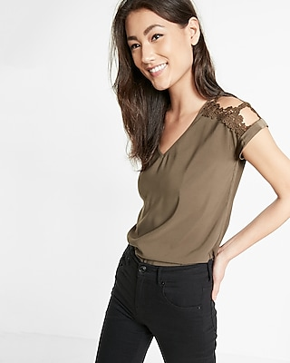 Express Womens Lace Cold Shoulder V-Neck Top