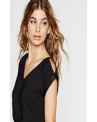 Express Womens V-Neck Cold Shoulder Rolled Sleeve Blouse Black X Small
