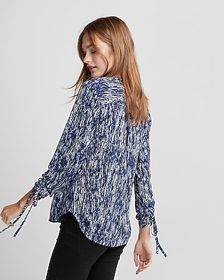 Express Womens Printed Ruched Sleeve Zip-Front Shirt