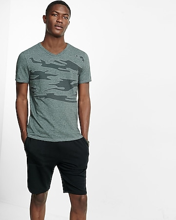 embroidered camo graphic v-neck t-shirt