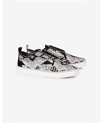 creative recreation lacava q tribal print sneaker