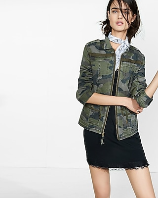 EXPRESS Women's Outerwear Camouflage Zip Front Military Parka Multi Large