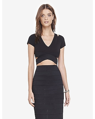 EXPRESS Women's Tops Cropped V-neck Cut-out Top