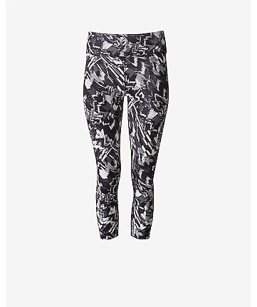 abstract zigzag EXP core compression crop legging