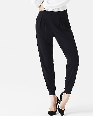 low rise pleated jersey jogger pant