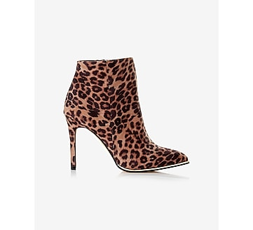 zip heeled bootie
