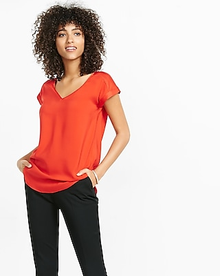 Express Womens Silky V-Neck Rolled Sleeve Blouse