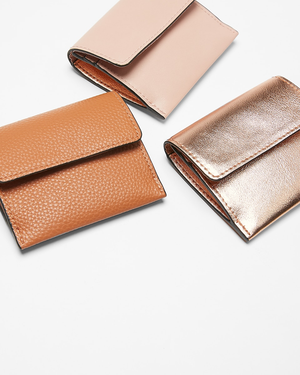 bbfe12d522c8 Express View · fold-over card holder
