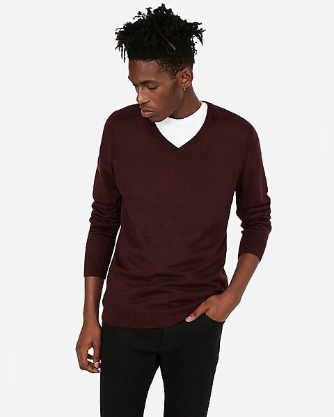 37637917248 Merino Wool-blend Thermal Regulating V-neck Sweater