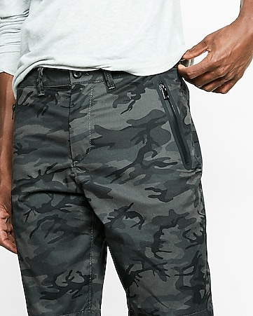 classic fit 10 inch camo stretch zip pocket shorts