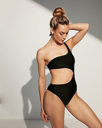 bikini-cuts-ad-for-girls-sexy-caramel-boy-naked-gif