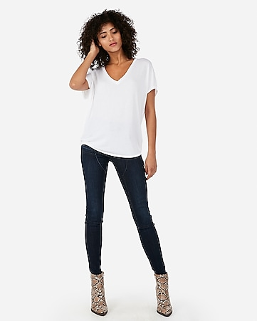 4755a536b1c8b7 Express View · express one eleven v-neck london tee