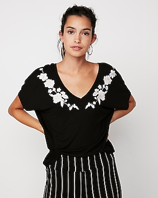 Express One Eleven Floral Embroidered London Tee by Express