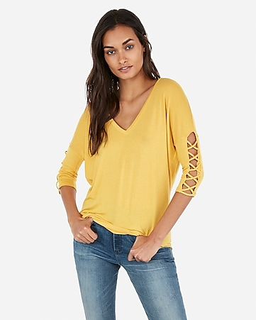 01f8b72583307 Express View · express one eleven lace-up sleeve london tee