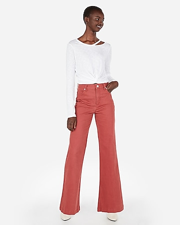1176738f5be Express View · express one eleven slash neck cropped twist tee
