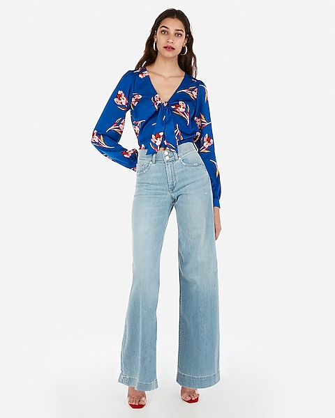 39cfc825abee3 Satin Tie Front Floral Print Cropped Long Sleeve Top
