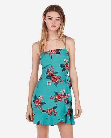3221627525b0 express view · floral square neck ruffle wrap dress