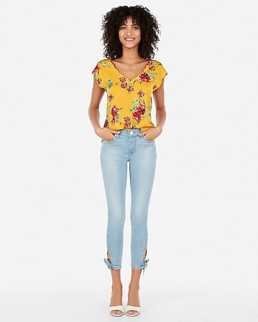 693e17e80 Express View · floral satin scallop tee